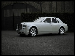 Rolls-Royce Phantom, V12